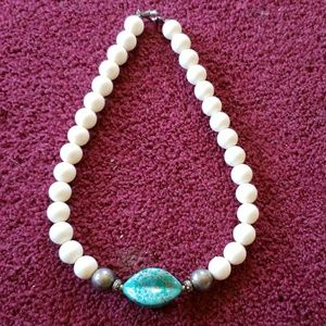 Jewelry - Vintage faux turquoise necklace